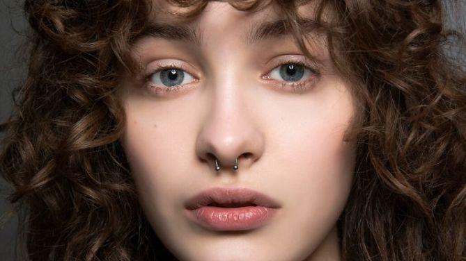 model curly hair