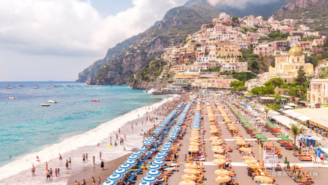 Positano beach umbrellas vista
