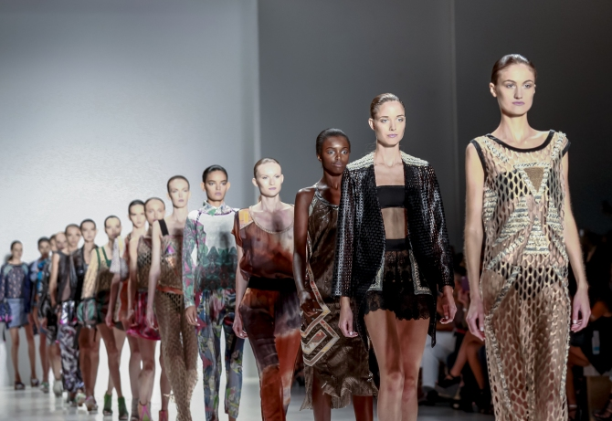 STYLECASTER | best zoom backgrounds fashion week