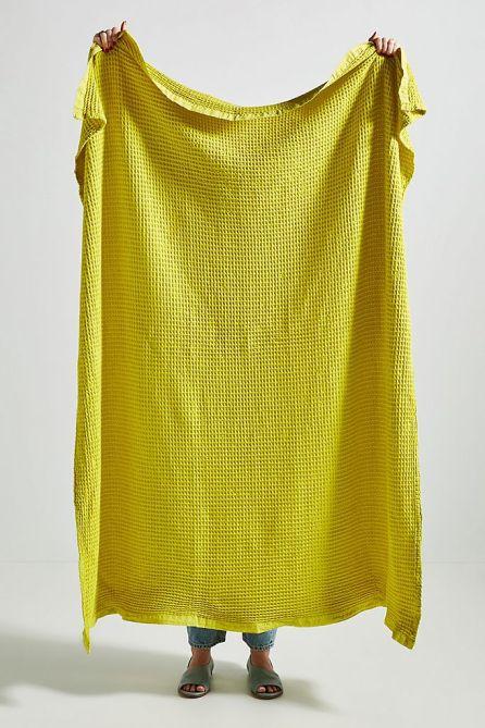 STYLECASTER | Graduation Gift Ideas 2020 | neon blanket