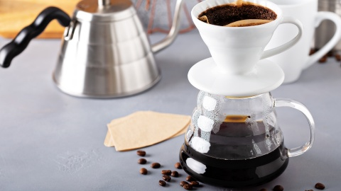 Pour Over Coffee Makers For a Cafe-Quality Cup of Joe at Home | StyleCaster