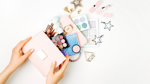 Spacious Beauty Organization Bags That Are Perfect for Travel & Storage | StyleCaster