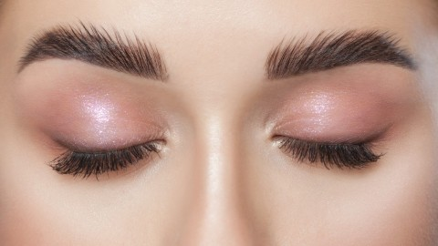 These Eyeshadow Primers Will Seriously Lock Your Eye Look in Place All Day | StyleCaster