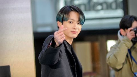 "Fans Think Jungkook Looks ""So Fresh"" and ""Mature"" With His New Haircut 