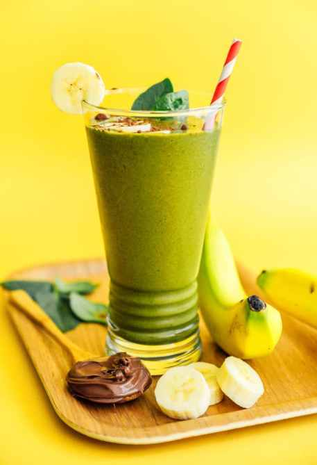 STYLECASTER | quick smoothie recipes avocado Nutella