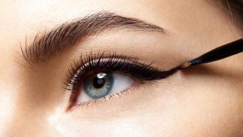 Smooth Black Eyeliner That Won't Skip or Smudge | StyleCaster