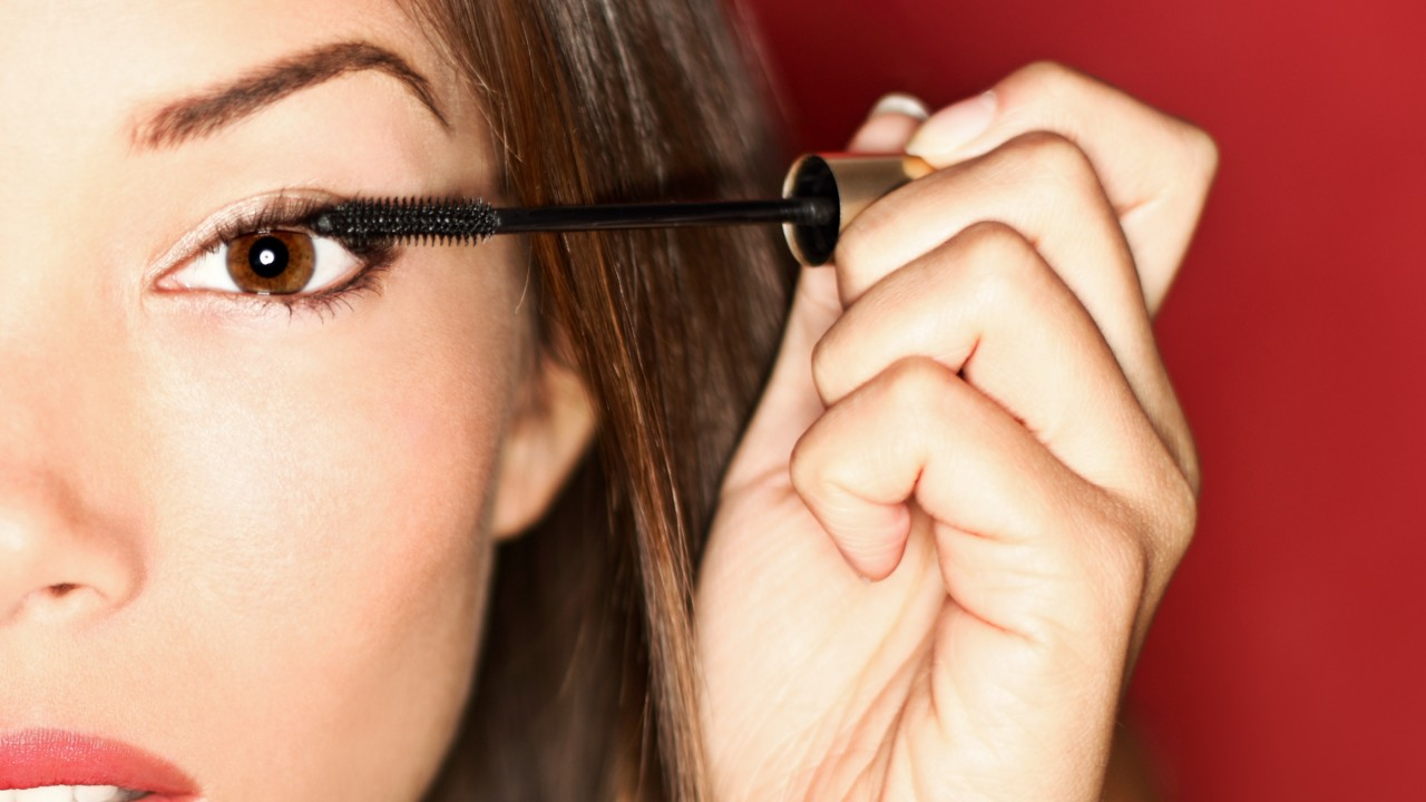 Lengthening Mascaras That'll Give Your Lashes a Boost