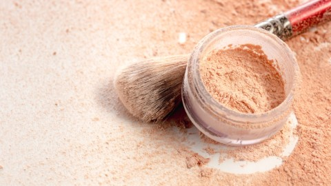 Lightweight Loose Powder Foundations to Give You Natural-Looking Coverage | StyleCaster