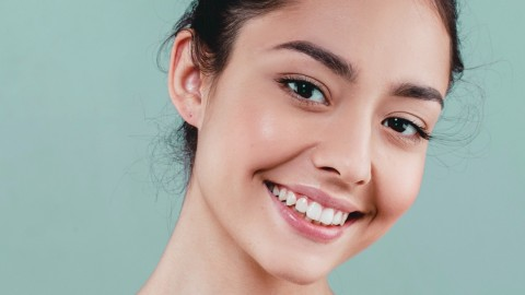 Non-toxic Natural Foundations That Enhance Your Beauty | StyleCaster