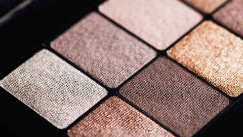 High-pigment Nude Eyeshadow for Both Natural and Dramatic Looks | StyleCaster