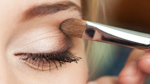 Creamy White Eyeshadow That'll Brighten Up Your Eyes | StyleCaster