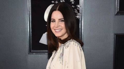 Lana Del Rey Says She Used Lemons to Lighten Her Roots and We're Shook | StyleCaster