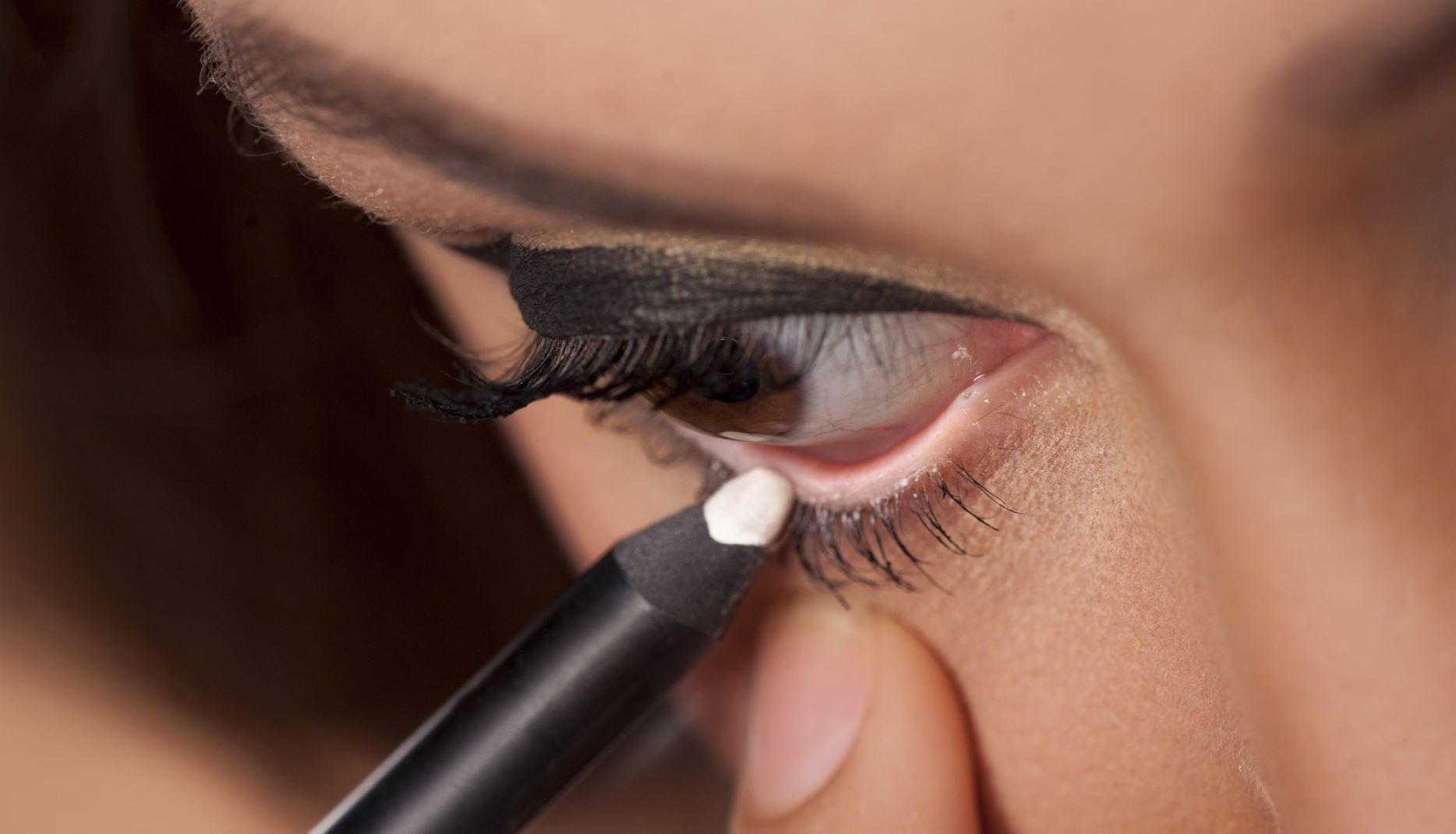 These Multifunctional Nude Eyeliners Conceal Blemishes & Perk up Tired Eyes