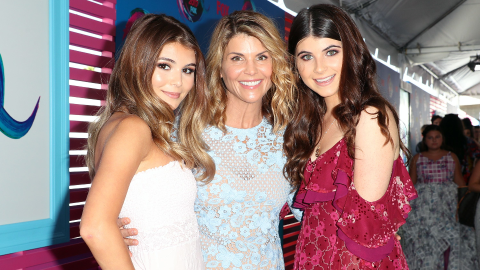Lori Loughlin's Daughters Told Her to Plead Guilty to the College Admissions Scandal | StyleCaster