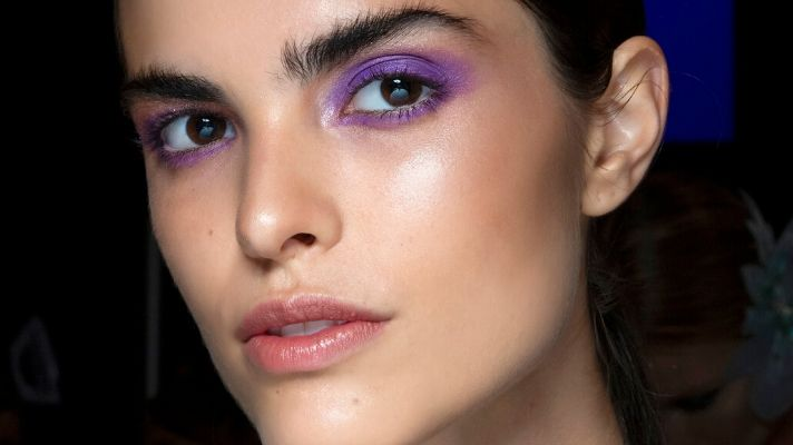 Update Your Everyday Beauty Routine With Trendy Purple Eyeshadow