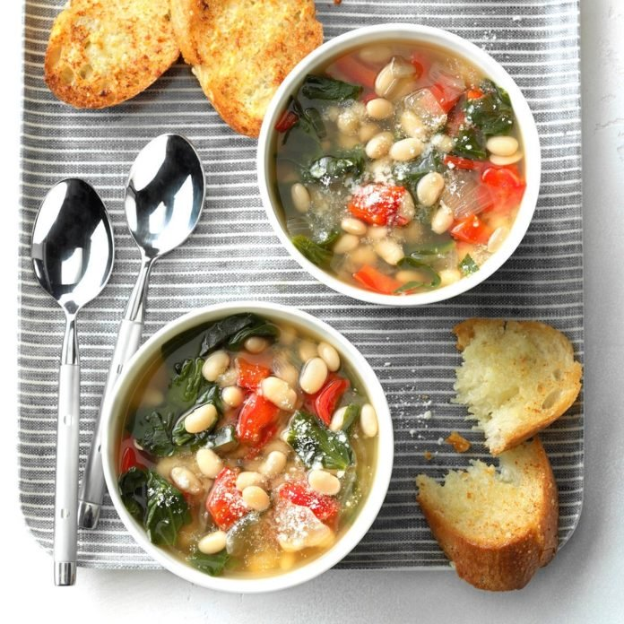 STYLECASTER | gluten-free slow cooker recipes | slow cooker spinach bean soup
