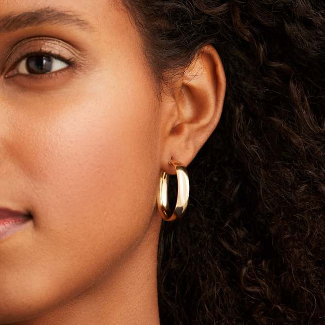 STYLECASTER | Summer Jewelry Trends Mejuri