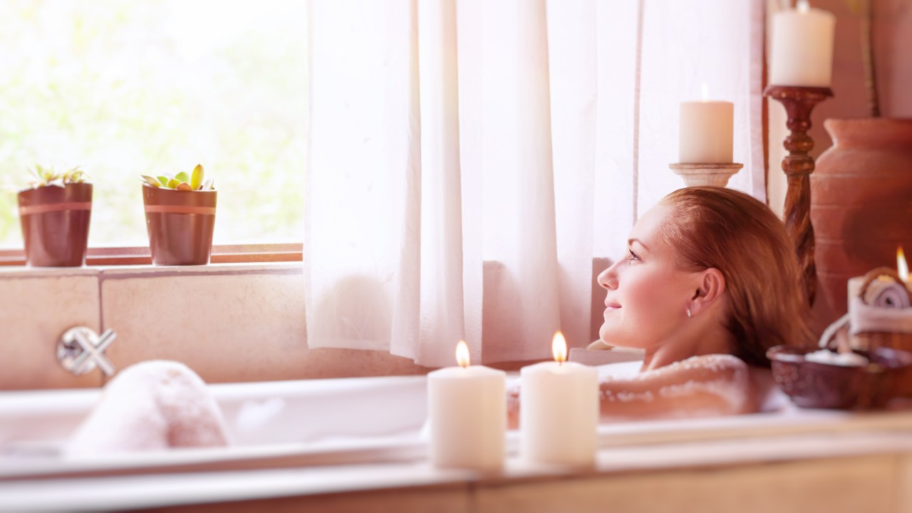 Transform Your Bathroom Into a Spa with These Luxury Candles