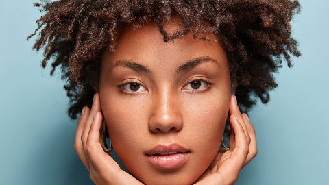 12 Natural Hair-Friendly Serums Formulated to Support Healthy Hair Growth | StyleCaster