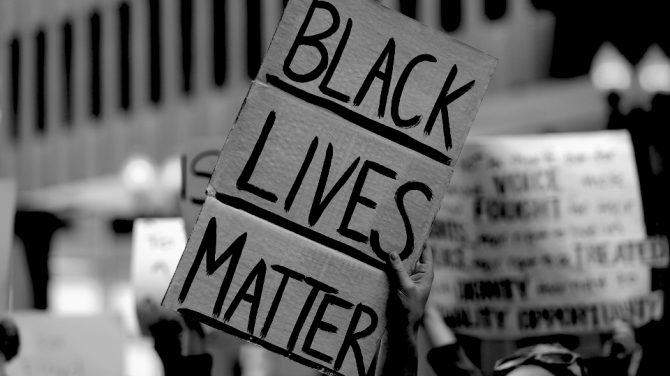 STYLECASTER | Black Lives Matter social media