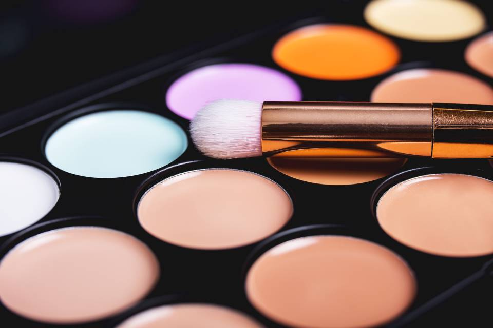 The Best Color Correctors For Camouflaging Dark Spots