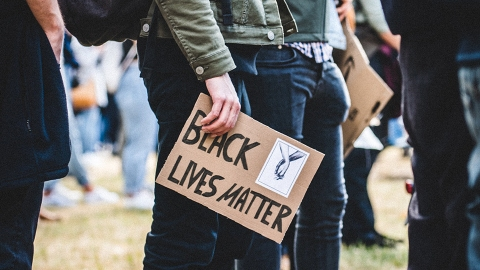 10 Free Ways To Support The Black Lives Matter Movement You Might Not Have Even Considered | StyleCaster
