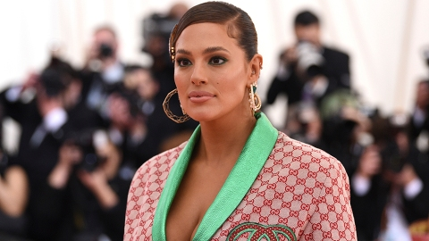 Why Ashley Graham Refused to Retouch Her Stretch Marks in Her New Bikini Photos | StyleCaster
