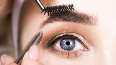Defining Mechanical Eyebrow Pencils That You Can Take Anywhere | StyleCaster