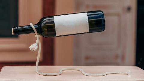 Display Your Wine in These Stylish Single Bottle Holders | StyleCaster