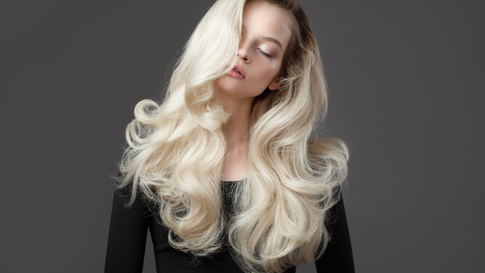 DIY Bleaching Products to Go Lighter At Home Without Damaging Your Hair | StyleCaster