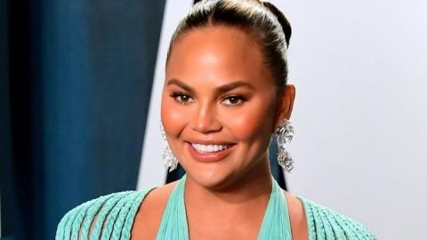 Chrissy Teigen Just Got a Lob and Now I Want a Lob | StyleCaster