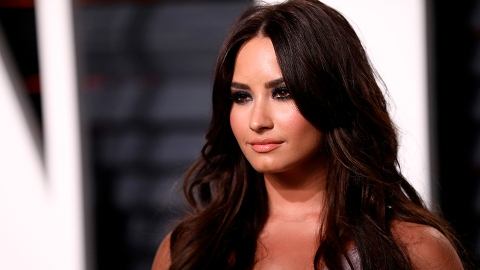 Demi Lovato Is Engaged to Boyfriend Max Ehrich & Her Ring Is Bigger Than My Face | StyleCaster