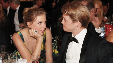 Taylor Swift & Joe Alwyn Could Be Engaged According to This 'Folklore' Fan Theory | StyleCaster