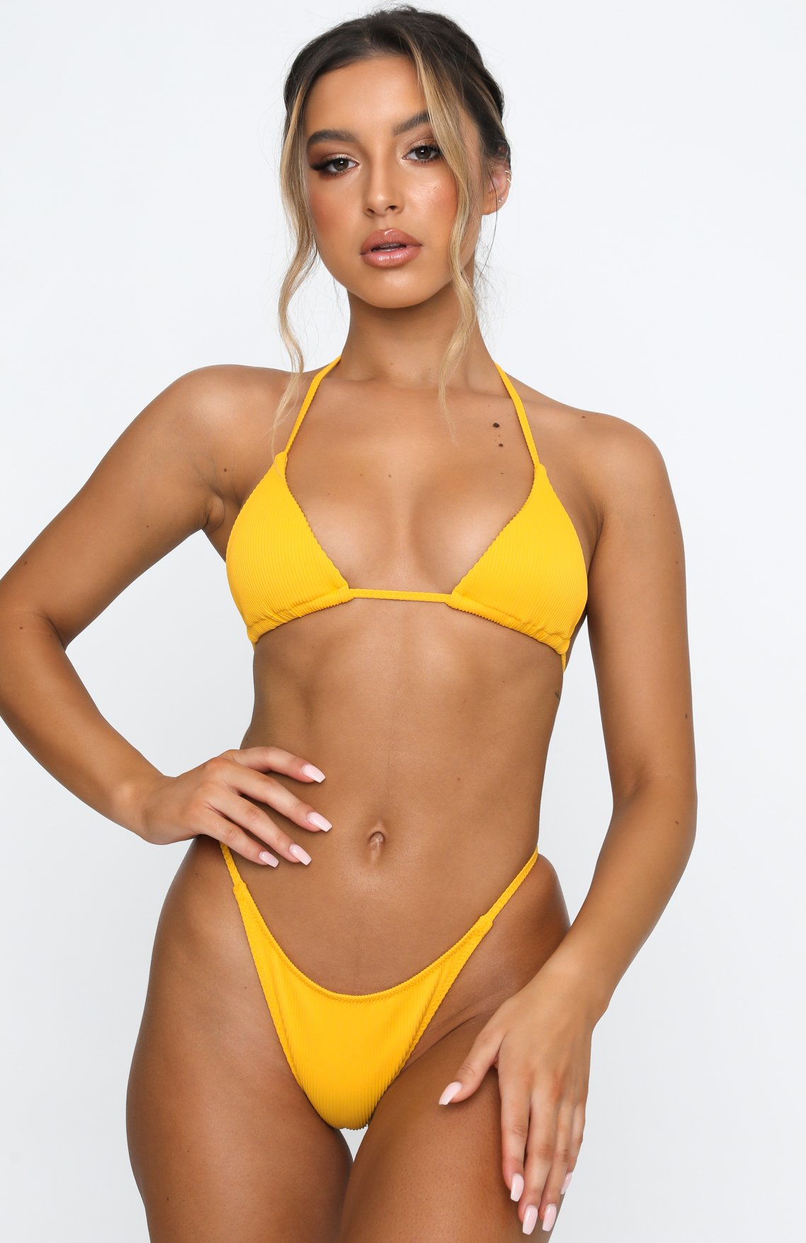 Ariana Grandes Green Bikini Look Can Be Yours For Under