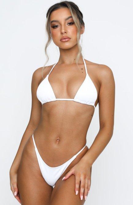 STYLECASTER | Ariana Grande Green Bikini