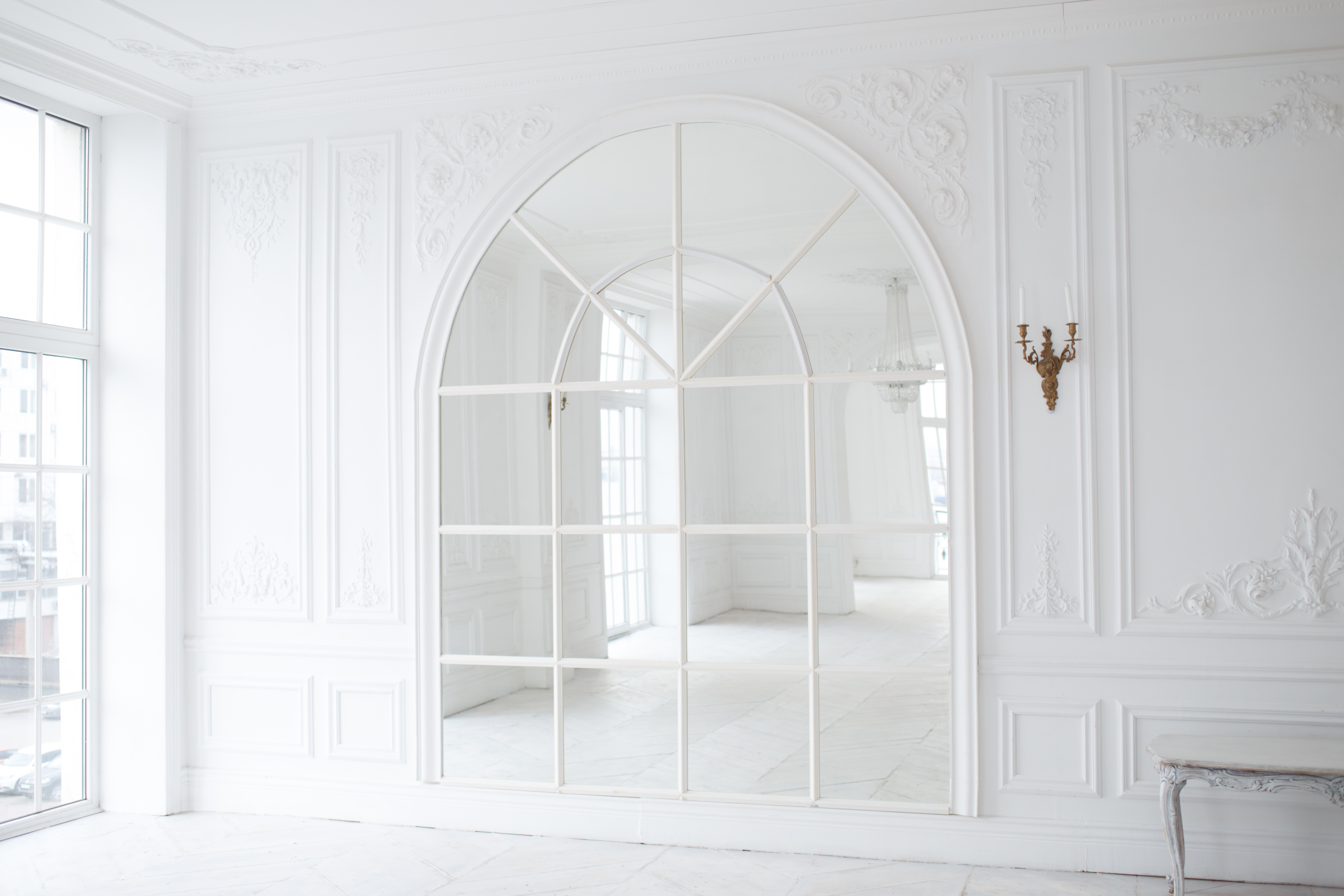 Timeless Arched Mirrors That Are Equal Parts Vintage & Contemporary