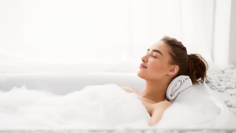 These Bathtub Pillows Are The Ultimate Self-Care Accessory | StyleCaster