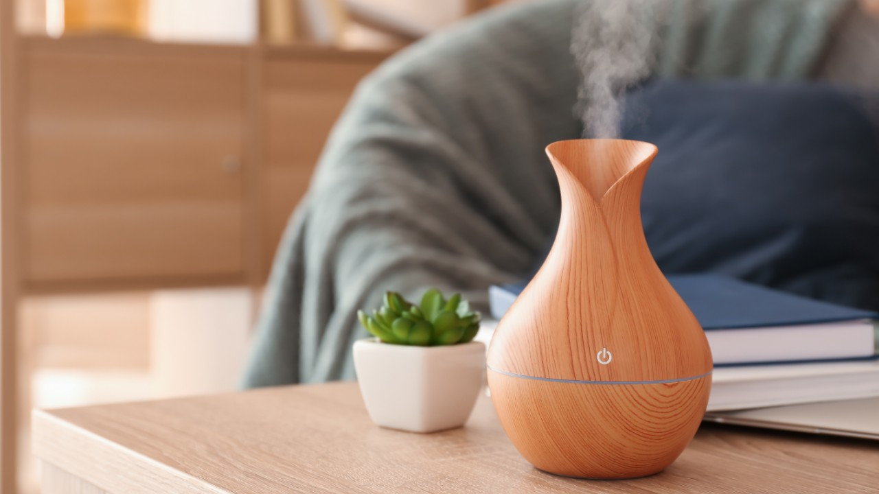 Tiny Desk Humidifiers That'll Moisturize the Air—And Your Dry Skin