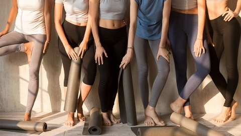 The Best Leggings That Won't Pill, Stretch Or Fade, Even If You Wear Them Every Single Day | StyleCaster