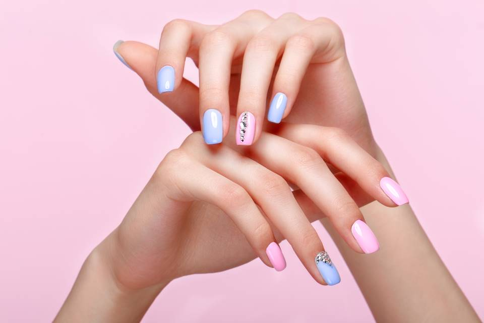 Luxe Glue-on Nails That Literally Rival In-Salon Manicures