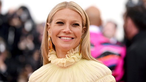 These Photos of Gwyneth Paltrow's Daughter Prove She's a Carbon Copy of Her Mom  | StyleCaster