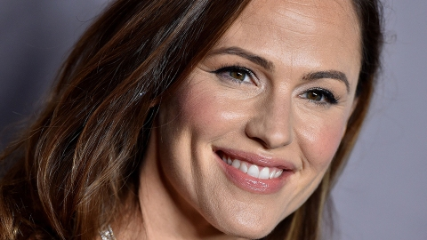 Jennifer Garner's Reaction to Finishing 'The Office' For the First Time Is All of Us   StyleCaster