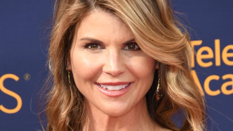 Lori Loughlin Is 'Terrified' of Going to Jail For the College Admissions Scandal | StyleCaster