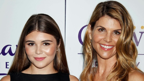 Lori Loughlin & Olivia Jade's Relationship Hasn't 'Fully Healed' After the College Scandal | StyleCaster