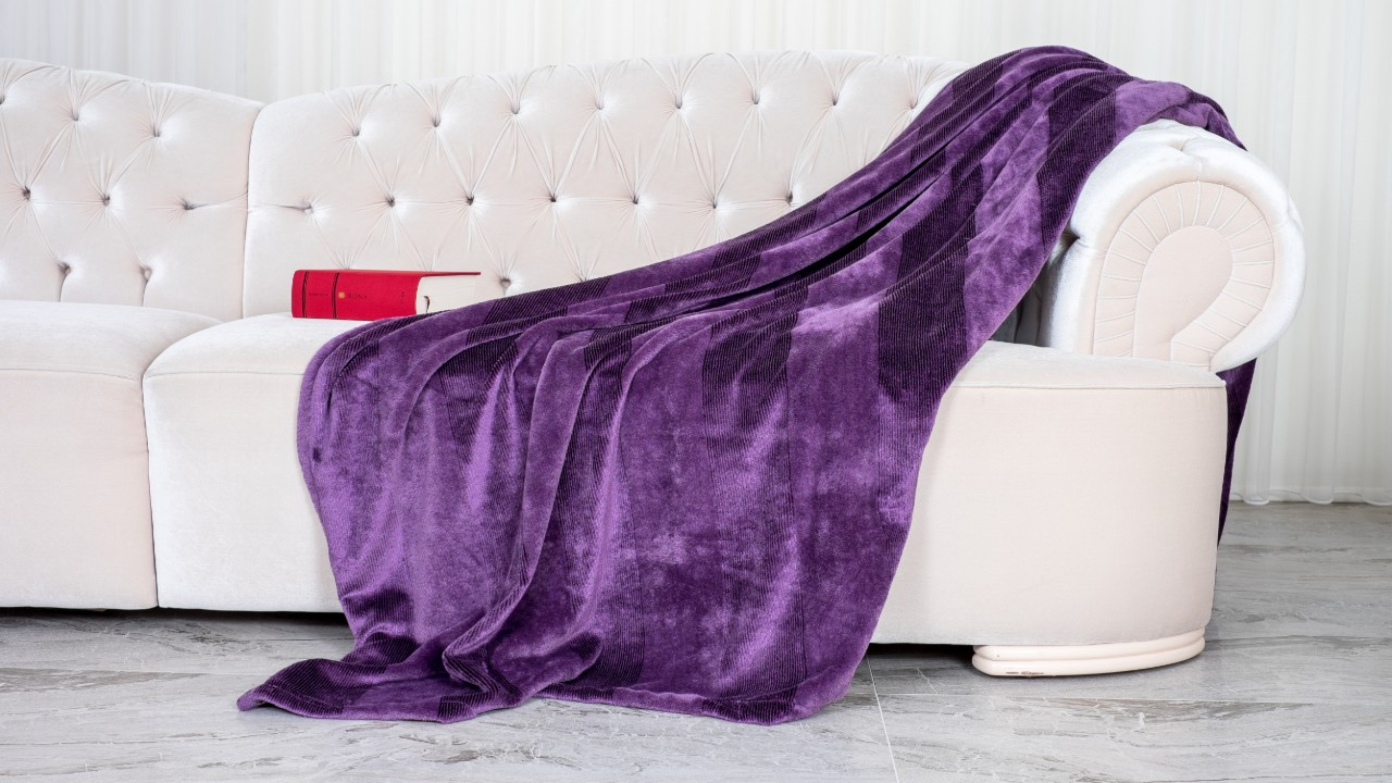 Luxury Throw Blankets That You Need in Your Home