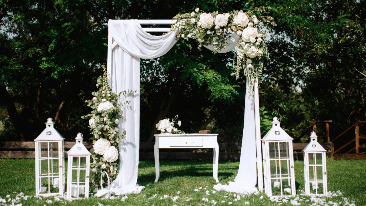 The Best Wedding Arch Kits That You Can Buy On Amazon Stylecaster