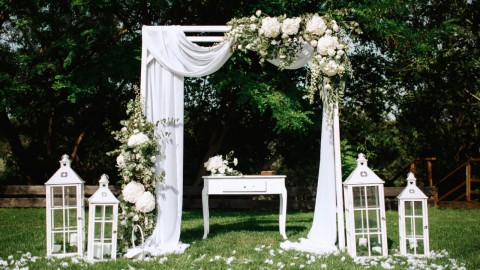 Wedding Arch Kits That'll Make Exchanging Vows Even More Special | StyleCaster