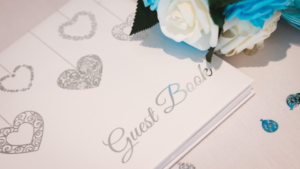Chic Wedding Guest Books for Your Big Day   StyleCaster
