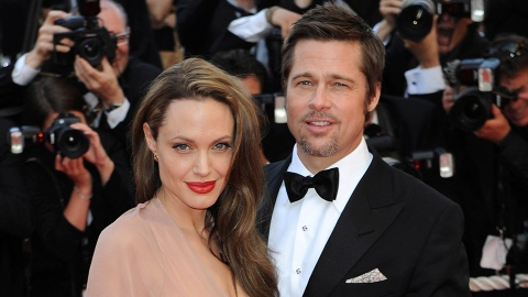 Brad Pitt Isn't 'Angry' at His Girlfriend For Her Comment Shading Angelina Jolie | StyleCaster