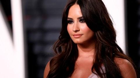 Demi Lovato Slammed a Fake Tweet of Her Fiancé Calling Selena Gomez 'Prettier' | StyleCaster